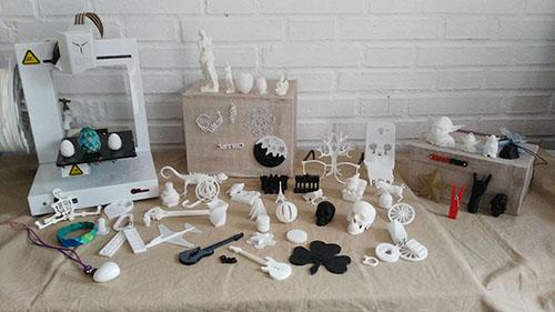 Muestrario3D e Impresora 3D, Taller 3D, Impresoras 3D, 3D, Actividades Extraescolares, Ocio, Niños, Jóvenes, Juguetes, Modelado 3D, Diseño 3D, Madrid, Madrid Noroeste, Curso, Boadilla del Monte, Majadahonda, Las Rozas, Taller de Modelado 3D, Talleres en Madrid de Impresion 3D, Taller de Modelado 3D en Boadilla del Monte, Taller de Modelado 3D en Las Rozas, Taller de Modelado 3D en Majadahonda, Tecnología 3D, Campamento impresion 3D, Introduccion a la impresion 3d, Tinkercad, Cursos, Impresion 3D, Fabrica de Impresion 3D, Fabrica de Juguetes, Servicios, Aprender, Diversión, Divertirse con 3D, Navidad, Taller de Navidad, Robotica, Taller, tresD, Cursos impresion 3D, Fabricacion Aditiva, Pequeños Creadores, Prusa, Cursos de Robotica educativa e impresion 3D, Robotica Educativa, Aprender Impresion 3D, Talleres a medida, Enseñanza, Educacion, Colegios, Nuevas Tecnologias, Formacion impresion 3D, Diseño Digital, Blender, FreeCad, Sculptris, Prototipo, Prototipado, Impresion 3D niños, Impresion 3d para niños, Cursos de Tinkercad, Autodesk Tinkercad, Comprar impresora 3D, Curso Modelado 3D, Curso Modelado 3D Tinkercad, peques, Campus Impresion 3D,